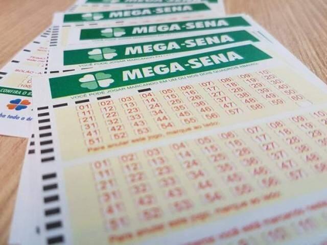 Cartelas de apostas da Mega. (Foto: Reprodução/IGSãoPaulo)