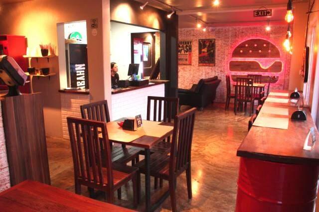MHB Burger fica na Rua Ceará, 1451 e é super aconchegante.