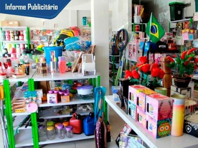 Na loja que tem quase tudo, promoção será em produtos de plástico para casa. (Foto: Alcides Neto)