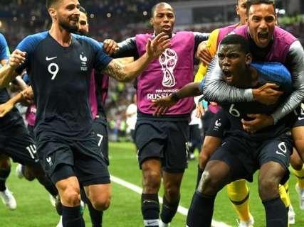 França derrota Croácia por 4 a 2 e conquista título depois de 20 anos