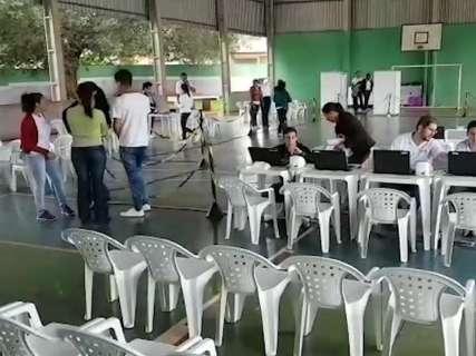 """Governo faz """"teste"""" da Caravana da Saúde em escola estadual"""