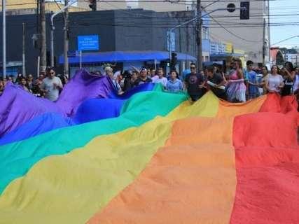 Veto é mantido e projeto que incluía parada gay no calendário é arquivado