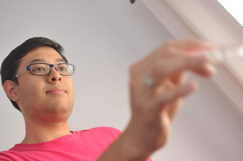 Terapeuta prânico há 3 anos, Ricardo faz palestra hoje sobre o tema. (Foto: Alcides Neto)