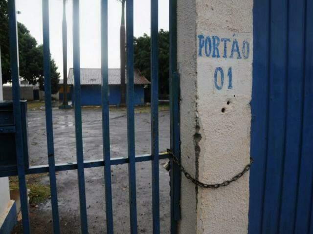 Estrutura do clube está praticamente abandonada com o encerramento das atividades (Foto: Paulo Francis)
