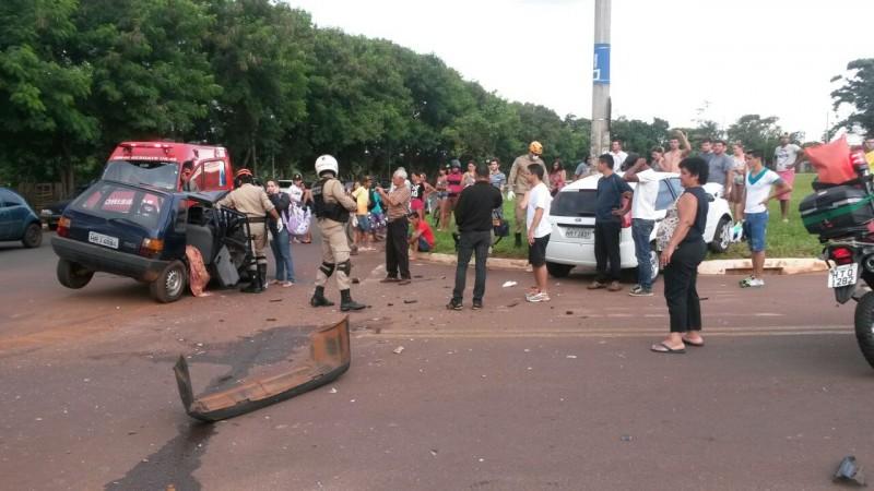 Um dos motoristas confessou que havia desrespeitado a sinalização. (Foto: Direto das Ruas)