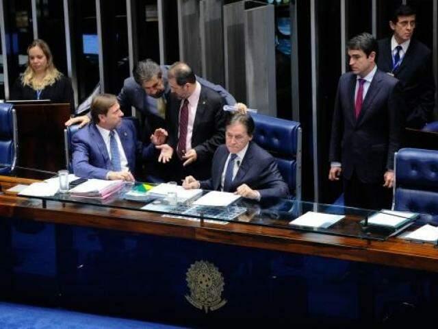 Votação das emendas foram feitas em procedimento simbólico, enquanto só o projeto base foi nominal (Foto: Marcos Oliveira/Agência Senado)