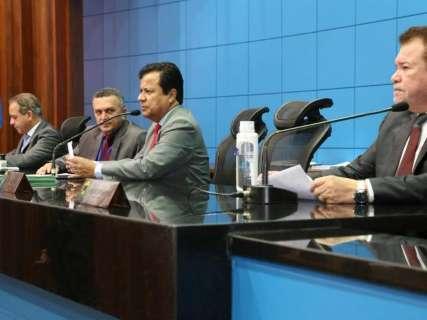 Deputados rejeitam projeto que queria proibir pesca do dourado em MS