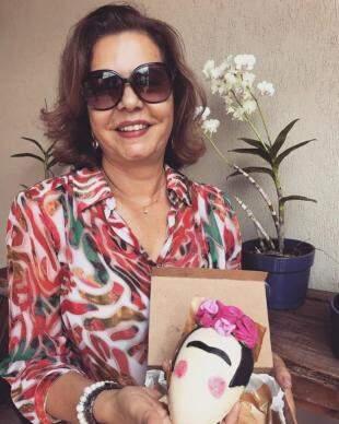Ovo de Frida em chocolate branco feito especialmente para a dona Gisela Bluma (Foto: Arquivo pessoal)
