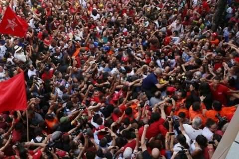Sem Lula, Marina e Barbosa empatam e Bolsonaro lidera corrida ao Planalto