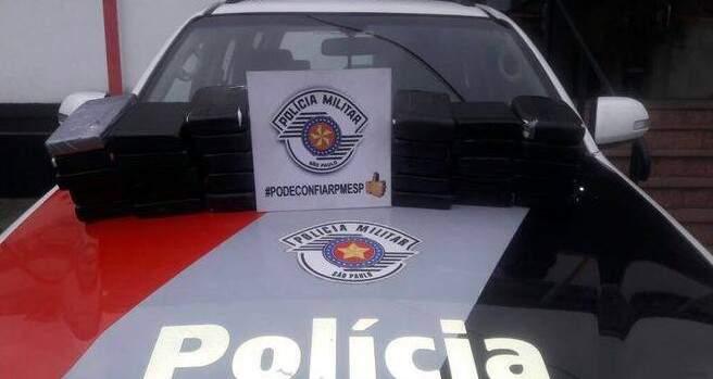 No total, foram apreendidos 30 quilos de cocaína (Foto: divulgação/Polícia Militar)