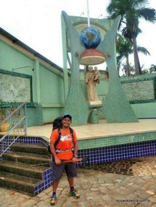 Nilson no destino final, Santuário de Santo Antônio, em Terenos. (Foto: Sopa de Pedra)
