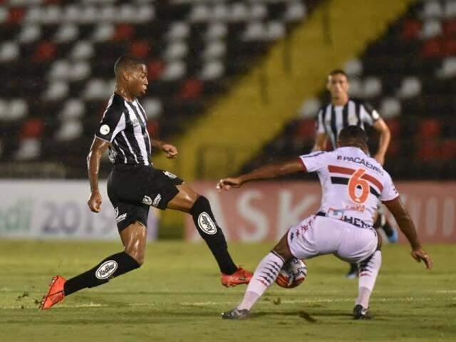 Com a derrota o Santos, que já havia se classificado para os mata-matas, perdeu a oportunidade de liderar o grupo A do campeonato. (Foto: Ivan Storti/ Reprodução Santos FC)
