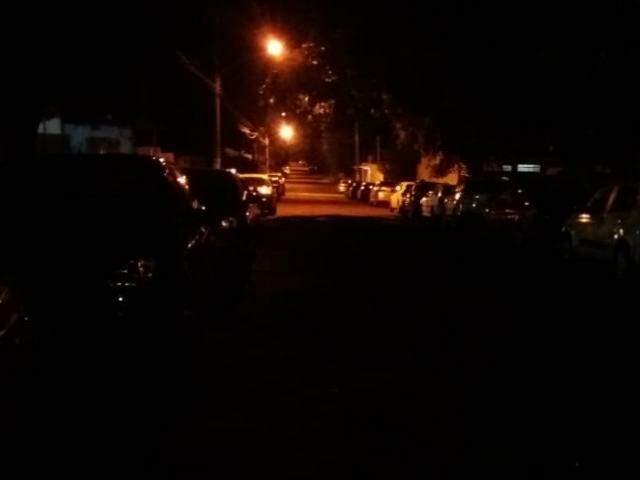 Cruzamento no bairro Maria Aparecida Pedrossian também às escuras (Foto: Direto das ruas)