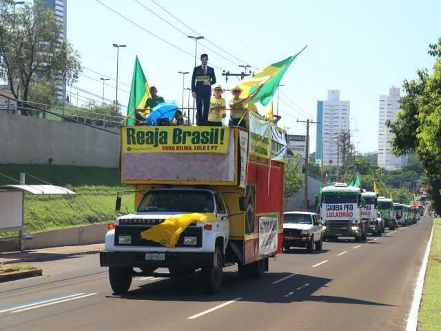 Movimento Reaja Brasil espera levar 120 pessoas até Brasília (Foto: Fernando Antunes)
