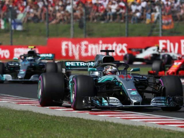 Hamilton venceu no GP da Hungria deste domingo (Foto: Ferenc Isza/AFP)