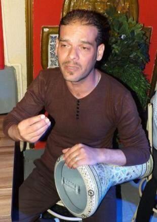 Waael Assaf, músico, ele é um refugiado recém chegado da Jordânia. (Foto: Arquivo Pessoal)