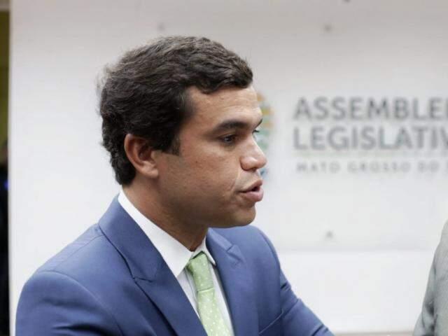 Deputado Beto Pereira, presidente estadual do PSDB, durante entrevista (Foto: Fernando Antunes - Assessoria)