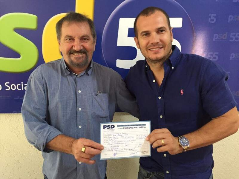Ribeiro e Gatti, presidente municipal da legenda, após filiação do empresário ao PSD (Foto: Divulgação)