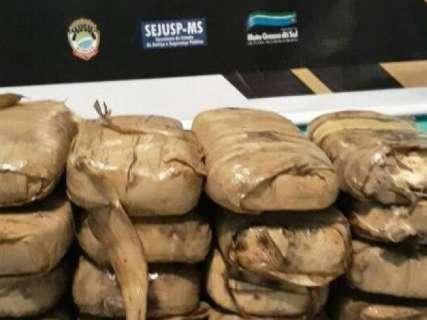 Pescadores fisgam pacotes de cocaína em fazenda usada pelo tráfico
