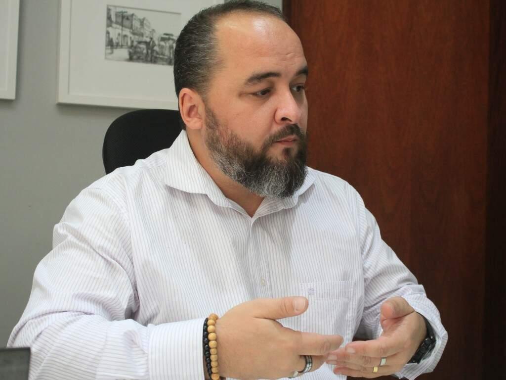 """""""A gente é um país em desenvolvimento, mas ainda com perfil muito pobre, com uma recessão terrível"""", diz o juiz (Foto: Marina Pacheco)"""