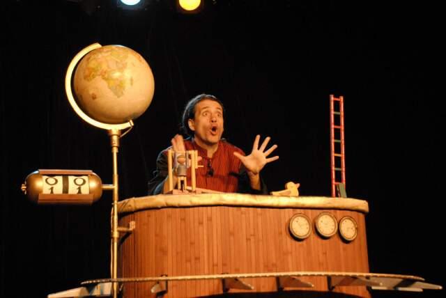 Objetos ganham vida em festival internacional de teatro com entrada gratuita