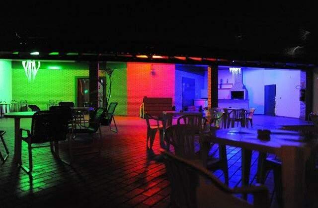 Festas do clube Nikkey acontecem neste motel. (Foto: Divulgação)