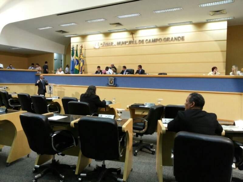 """Durante sessão não faltaram pedidos de prisão ao ex-gestor e responsabilização por """"formação de quadrilha"""" (Foto: Kleber Clajus / Arquivo)"""