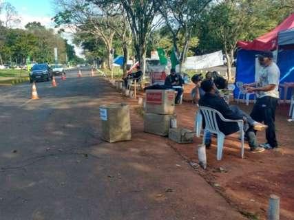 """Policiais desmontam acampamento para ''demonstrar boa vontade"""""""