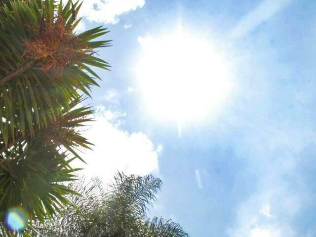Manhã de sol, mas previsão para Campo Grande é de chuva e trovoadas isoladas (Foto: Kisie Ainoã)
