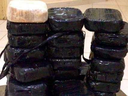 Economista e captador de imóveis são presos com mais de 36 kg de cocaína
