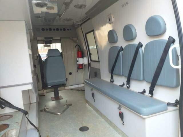 Ambulância desabilitada já estão sem os equipamentos de saúde (Foto: Prefeitura de São Gabriel do Oeste)
