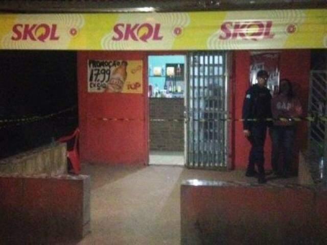 Homem morreu ao ser atingido por tiros no comércio que era dono (Foto: Porã News)