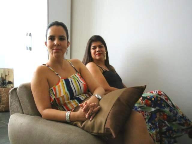 Psicólogas Andrea Brum e Adriana Lobo fizeram curso de capacitação em SP antes de idealizar o grupo (Foto: André Bittar)