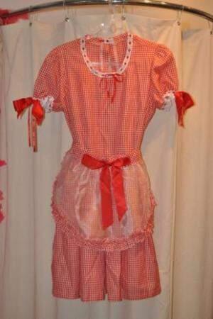 Vermelho e branco, vestido quadriculado é dos mais tradicionais. (Foto: Marcelo Calazans)