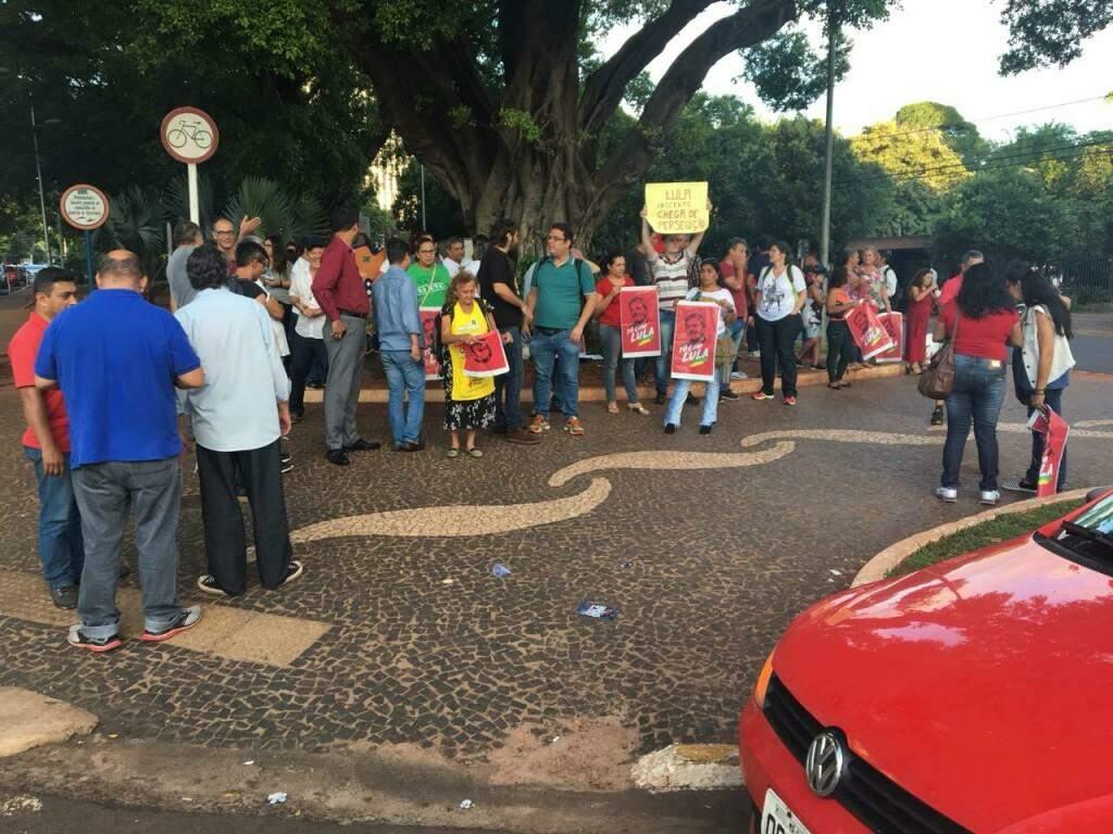 No centro da cidade, pouca adesão na manifestação a favor de Lula. (Foto: Guilherme Henri)