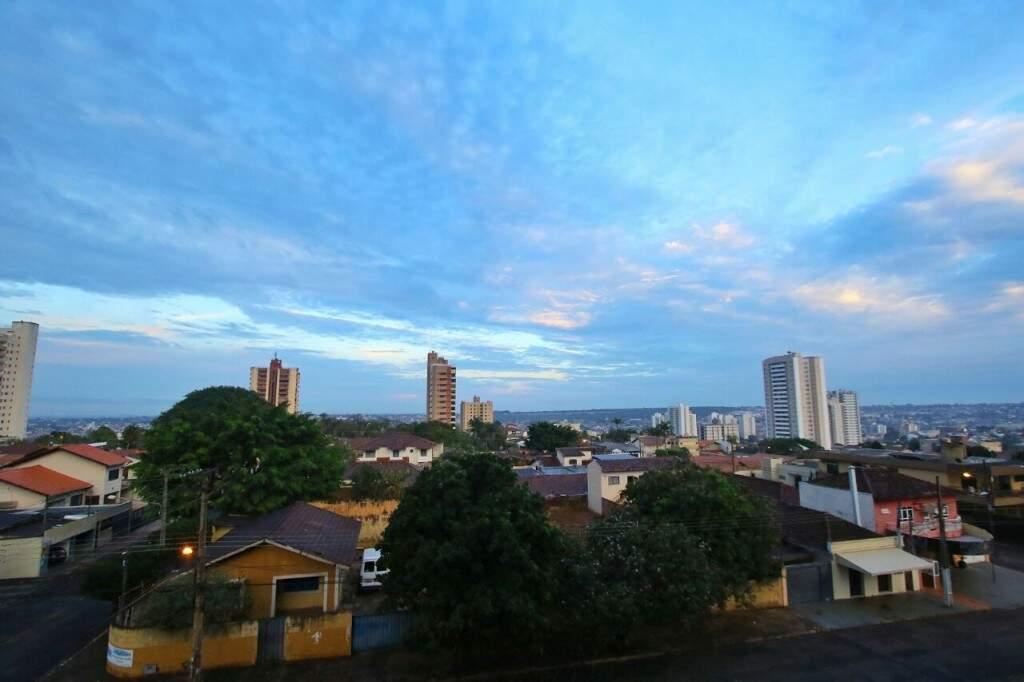 Sol começa a dar as caras hoje na Capital. (Foto: André Bittar)