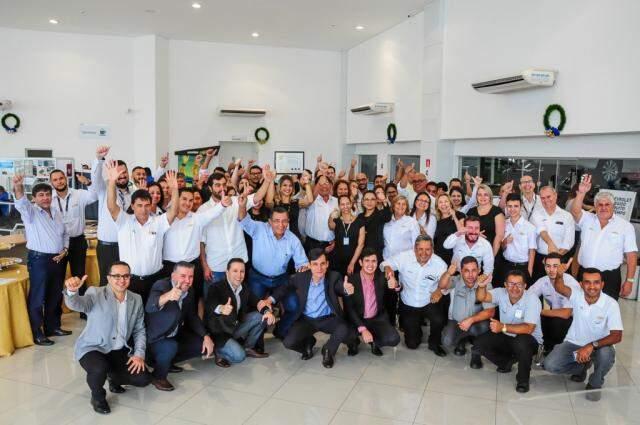 Equipe da Perkal Chevrolet Campo Grande, empresa que prioriza a valorização dos funcionários.