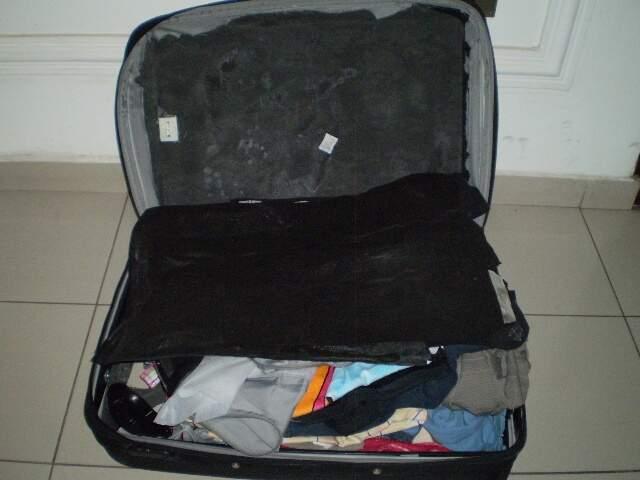 Cocaína era transportada em fundo falso de mala. (Divulgação)