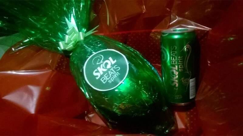 Os ovos de páscoa vem com a decoração de acordo com a cerveja favorita do cliente (Foto: Divulgação)