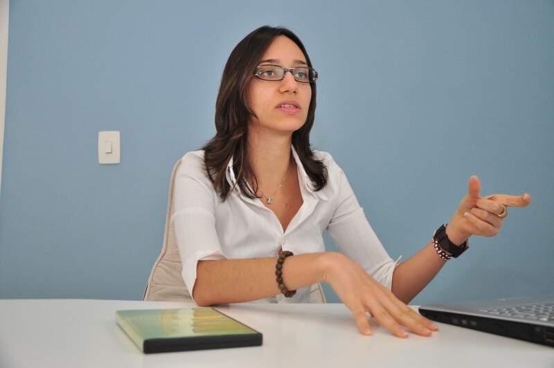Emanuelle Salustiano alerta para os riscos da alimentação desregrada. (Foto: João Garrigó/Arquivo)