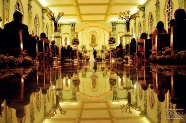 Mais um exemplo de passarela com espelhos. (Foto: Karina Photographer)