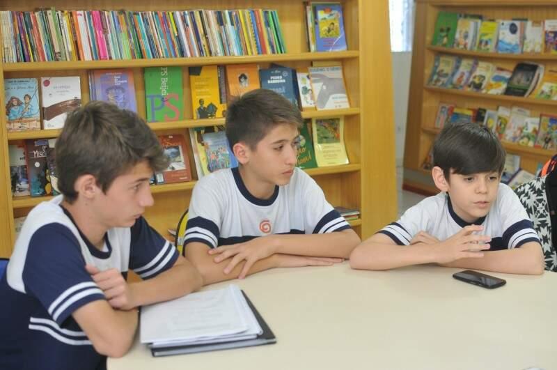 Eduardo, Pedro e Fabrício, os autores do projeto (Foto: Alcides Neto)