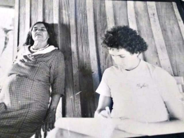 Conceição e o cineasta durante as gravações em 1980. (Foto: Arquivo Pessoal)