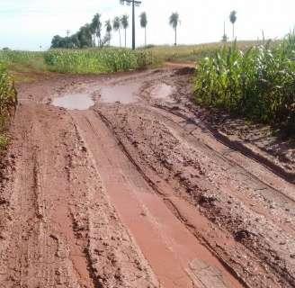 Chuva agrava situação de estrada da zona rural e deixa produtores preocupados