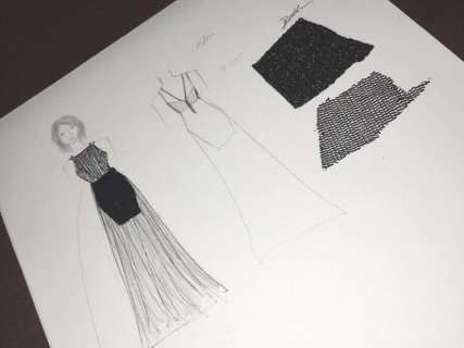 Aos 16 anos, Isabelle costurou o próprio vestido para ir a casamento