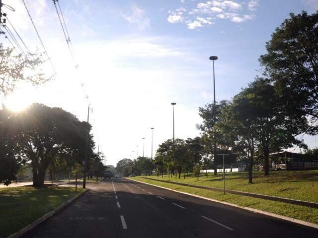 Frente fria que chegou acompanhada de chuva nesta sexta-feira (11) se afasta rapidamente de Mato Grosso do Sul. (Foto: Paulo Francis)