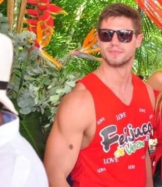 O ex BBB Jonas durante evento em Campo Grande. (Foto: João Garrigó)