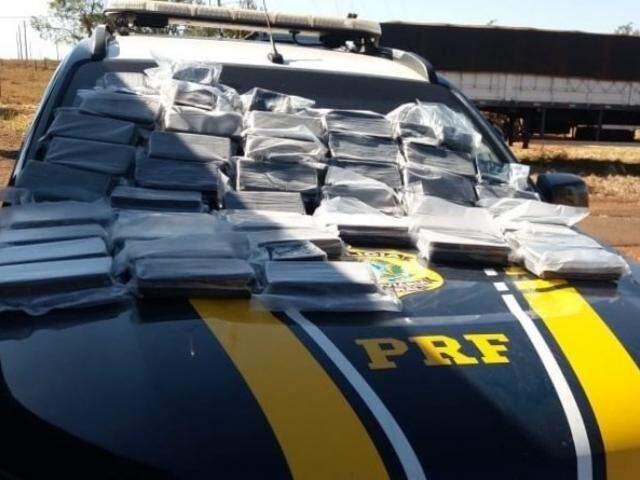 Droga apreendida pela polícia. (Foto: PRF)