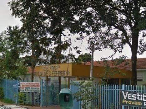 Escola localizada no bairro Coophatrabalho (Foto: Direto das ruas)