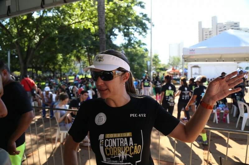 Delegada Fabiana Macedo diz que evento não tem ligação com o impeachment (Foto: Fernando Antunes)